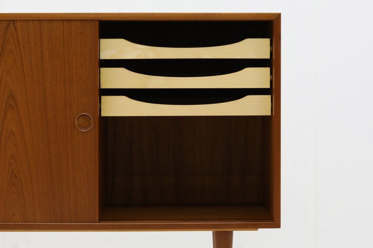 Kai Kristiansen(カイ・クリスチャンセン) 小ぶりなローボード チーク材 北欧家具ビンテージ/DK10745