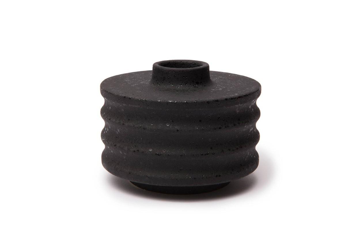LINDFORM(リンドフォーム) フラワーベース / 一輪挿し WILLIAM ブラック 高さ7cm