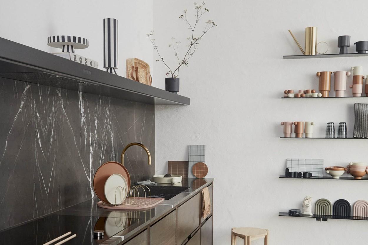 OYOY Living Design ストライプデザインおしゃれなトレイ ケーキスタンド/フルーツスタンド キャメル×ローズカラー