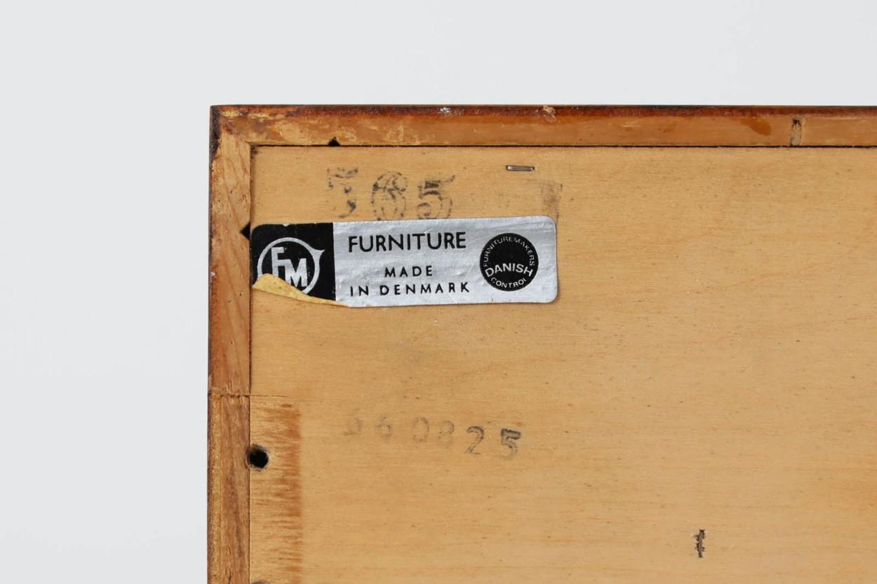 Kai Kristiansen(カイ・クリスチャンセン) 小ぶりなローボード 蛇腹扉 ローズウッド材 北欧家具ビンテージ/DK10570