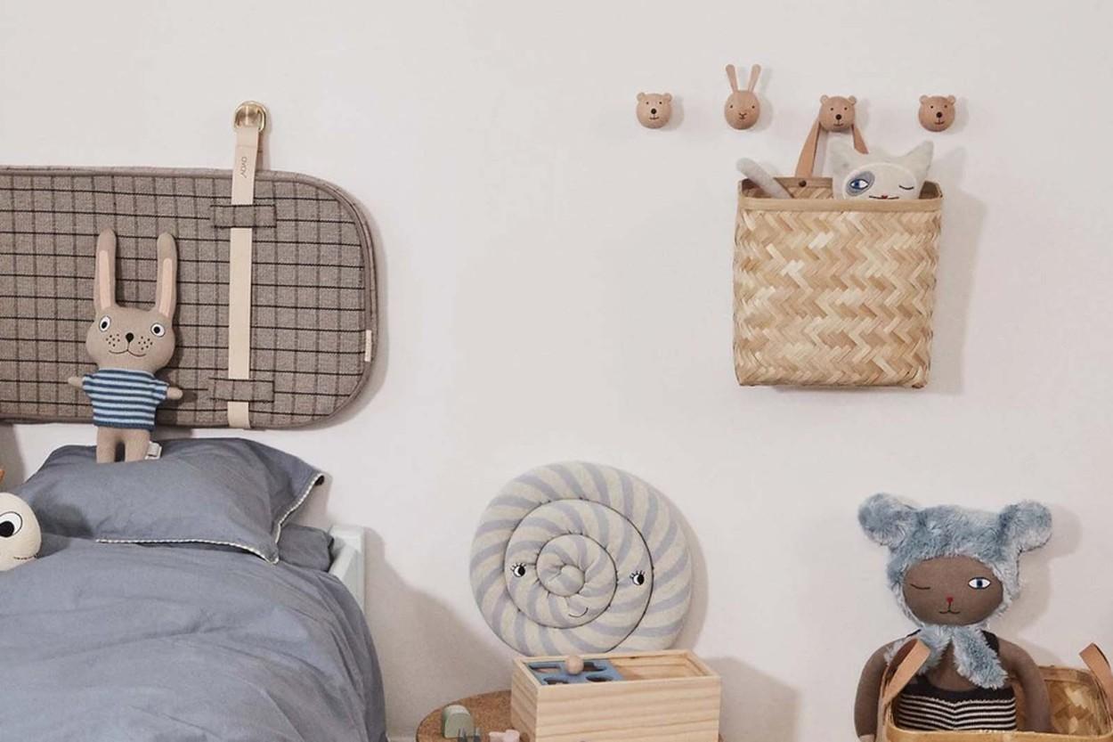 OYOY Living Design レザーハンドル付き バンブーウォールバスケット/壁掛けかご