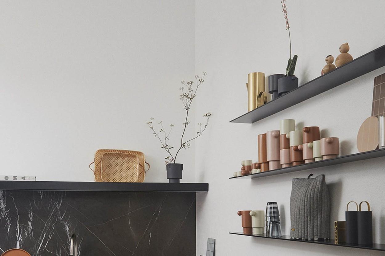 OYOY Living Design マットな質感のグレーカーラーフラワーポット Sサイズ