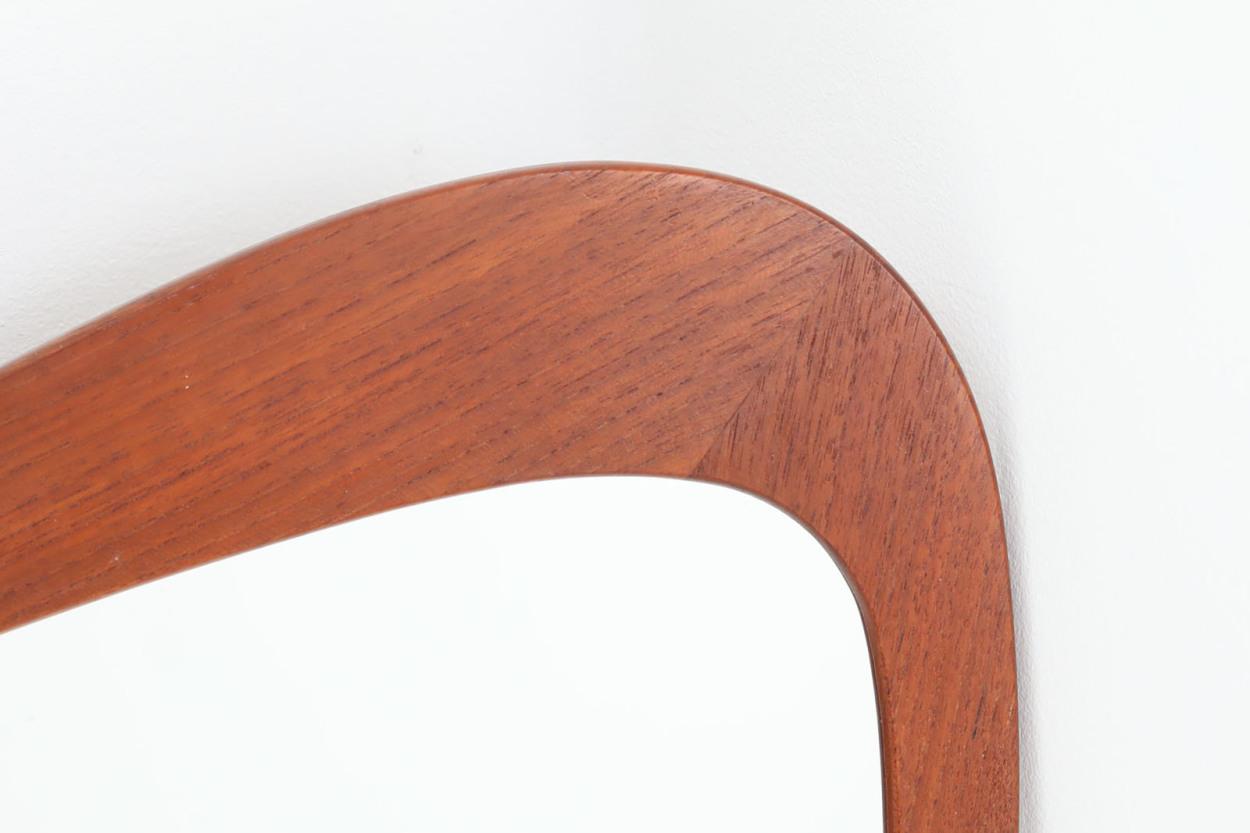 デンマーク製 お洒落な形のチーク材ミラー 壁掛け/立掛け 高さ77cm 北欧ビンテージ家具/DK11657