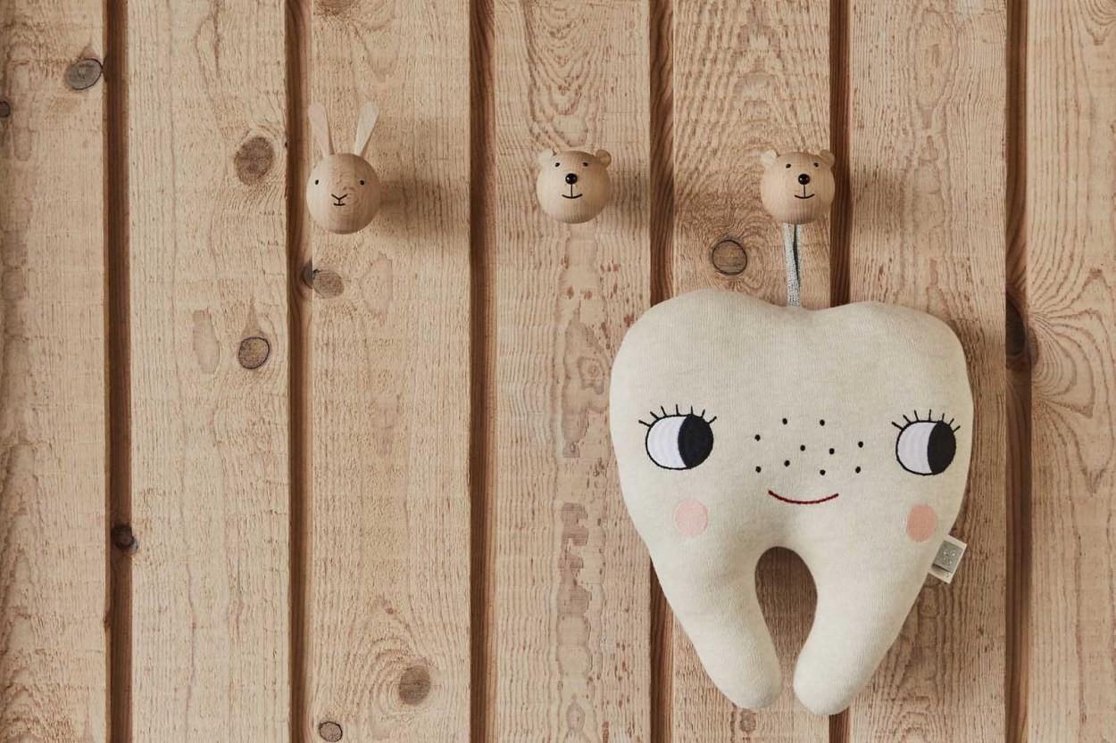 OYOY Living Design キッズ用 アニマルデザインのウォールフック Rabbit