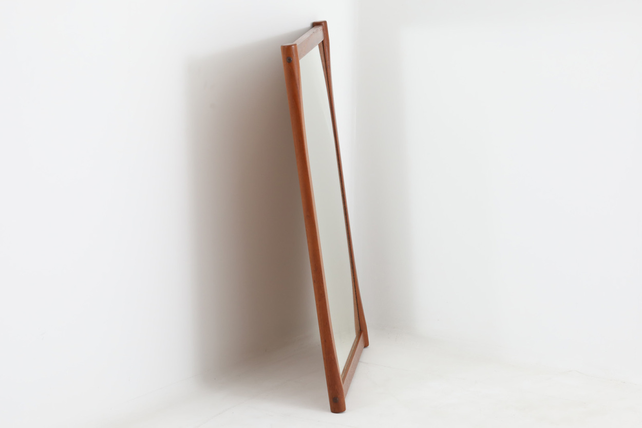 Aksel Kjersgaard(アクセル・キアスゴー) チーク材ミラー 壁掛け/立て掛け 高さ82cm デンマーク製 北欧ビンテージ家具/DK12172