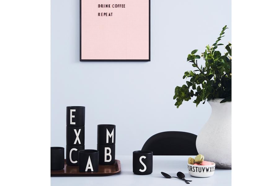 DESIGN LETTERS(デザインレターズ) Arne Jacobsen アルネ ヤコブセン パーソナルポーセリンカップ(N〜Z) ブラック