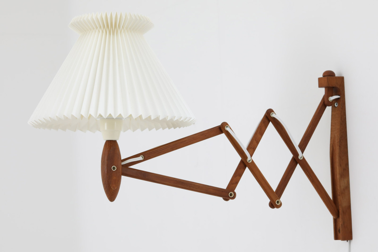 【送料無料】LE KLINT(レ・クリント) ブラケットランプ / 壁掛けランプ オーク材 324 北欧照明ビンテージ/DK11847