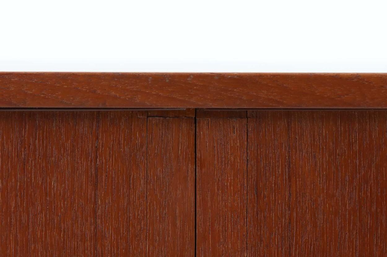 Kai Kristiansen(カイ・クリスチャンセン) 小ぶりなローボード 蛇腹扉 チーク材 北欧家具ビンテージ/DK11581