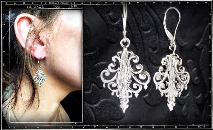 CHANDELIER EARRINGS WITH CRYSTAL STONES