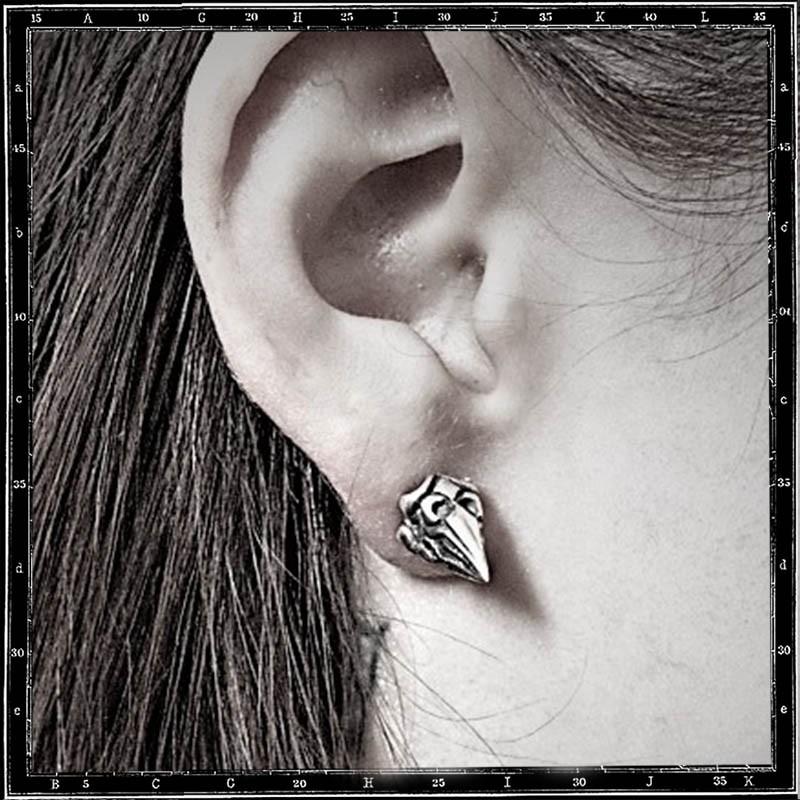 TUDOR CONE STUD EARRING