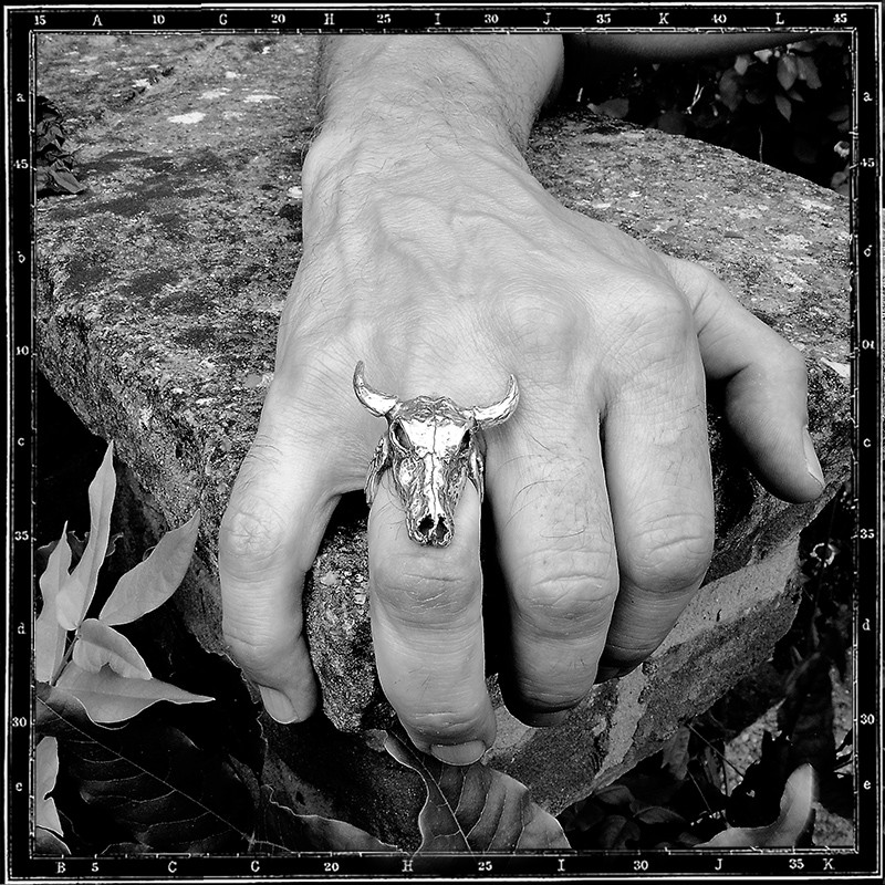 COW SKULL RING - LARGE