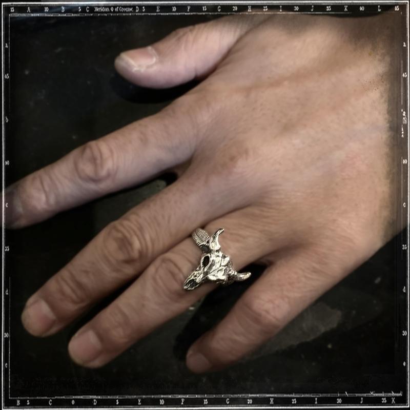 COW SKULL RING - SMALL