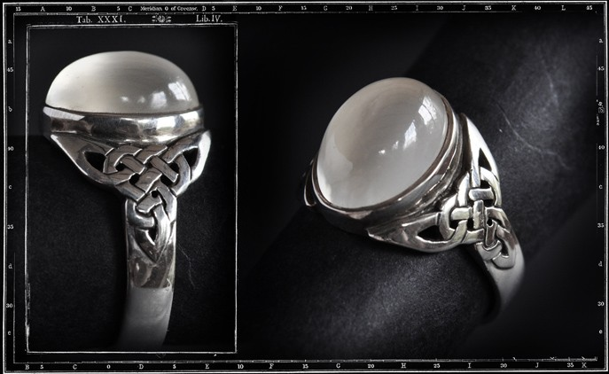 CELTIC KNOTS RING - SMALL