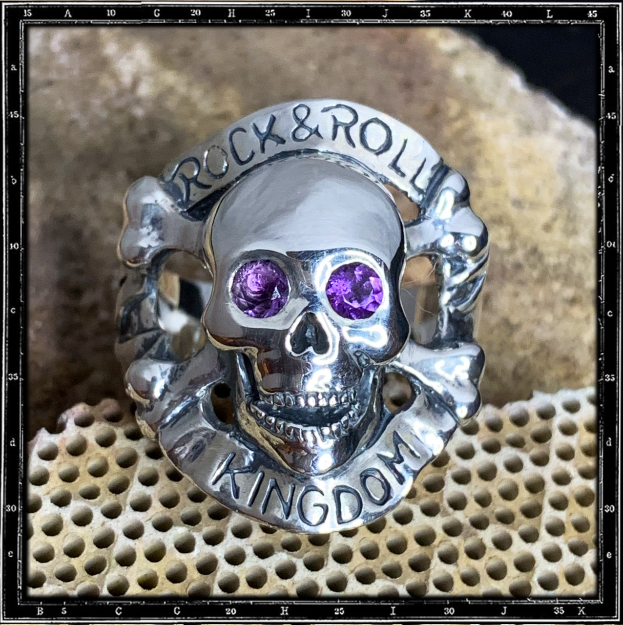 MAD3 ROCK 'N' ROLL KINGDOM RING