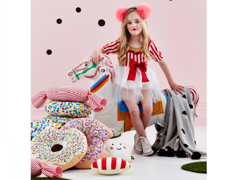 オーストラリアから SACK ME! ドーナツクッション Krispy Dreme (Pink) 直径約40cm 撮影小物