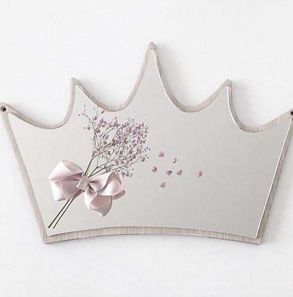 デンマークから Maseliving メーセリビング オーク材 ×壁掛けミラー Crown 約24.5 x 37.5cm
