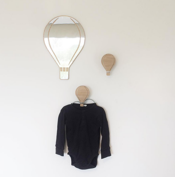 デンマークから Maseliving メーセリビング オーク材 ×壁掛けミラー Air ballon 約35 x 23cm