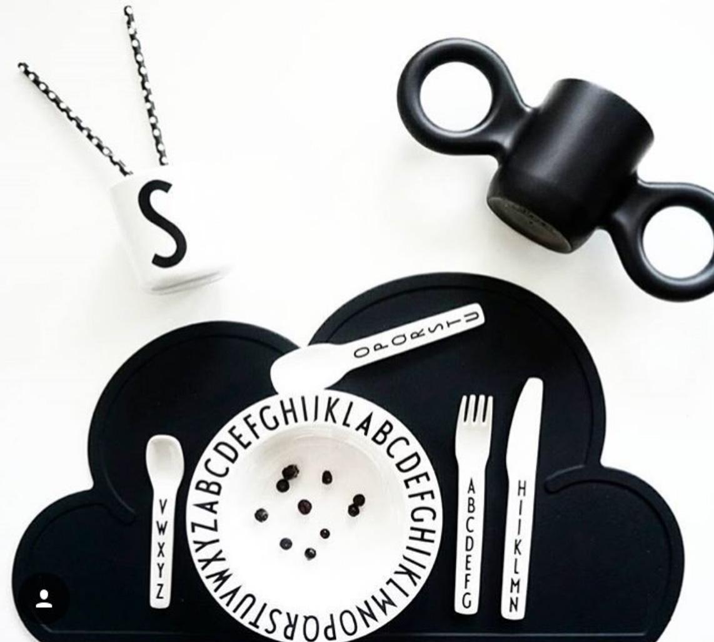 スウェーデンから KG DESIGN シリコン製プレイスマット お食事マット Cloud Placemat Black