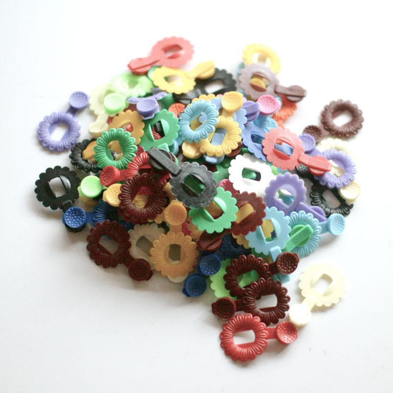 ドイツ製 つなげる玩具 フラワーパーツ Flower Parts 100ピース ちょっとしたおみやげに