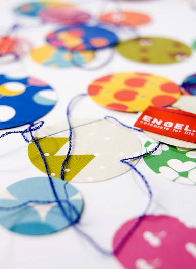 ENGEL Paper Confetti Garland 5Mもあるのでパーティーの飾り付けがこれだけでばっちり