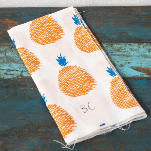 BOBO CHOSES Maison Hand Towel 35 x 92cm   Pear/Banana/Apple/Pineapple