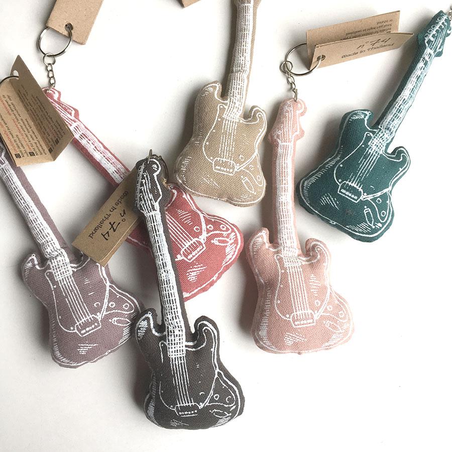 Numero 74 ヌメロ Guitar キーホルダー  ニギニギとしても
