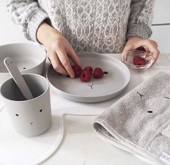 ●LIEWOOD デンマークから Bamboo Tableware Box Set - Rabbit dumbo grey ラビット食器セット