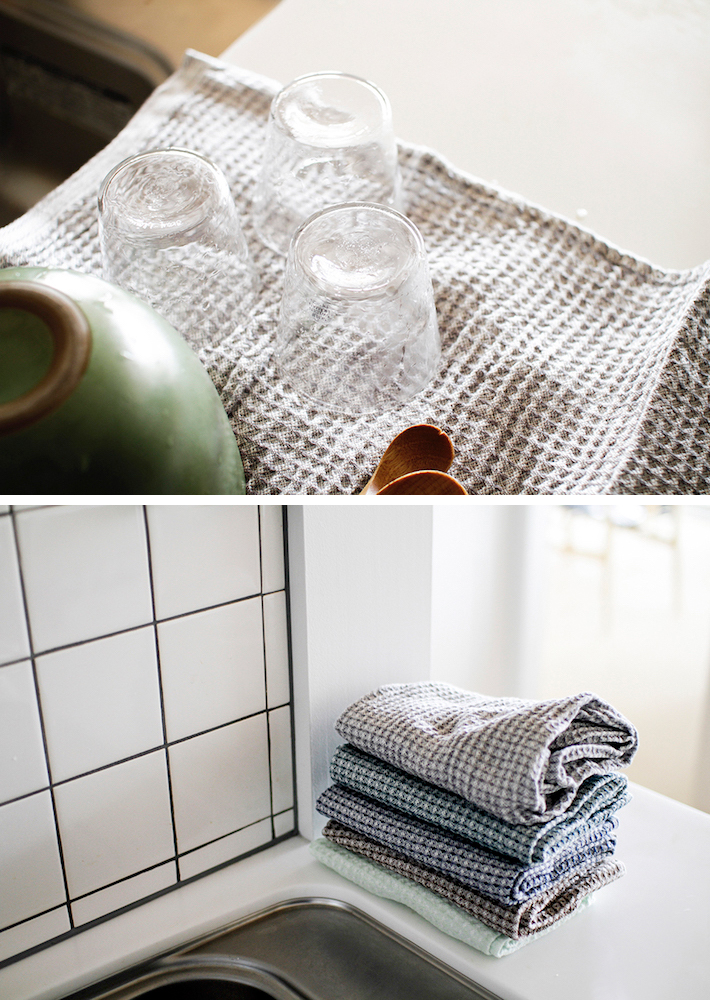 From Finland LAPUAN KANKURIT MAIJA towel 48x70cm  45/white-blueberry