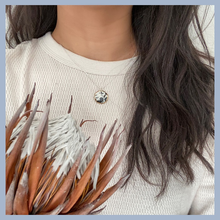 Nina Bosch 陶器ネックレス Petal(ングニ色)