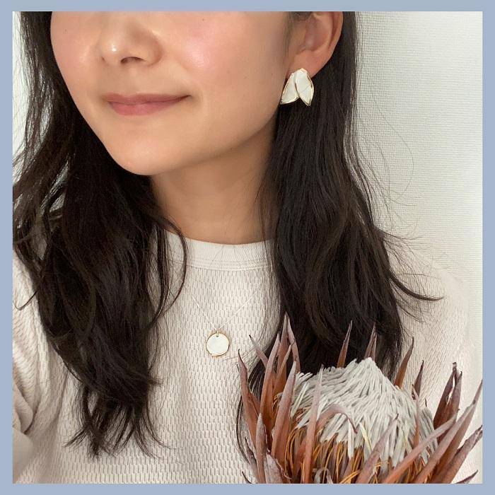 Nina Bosch 陶器ネックレス Petal(ホワイト)