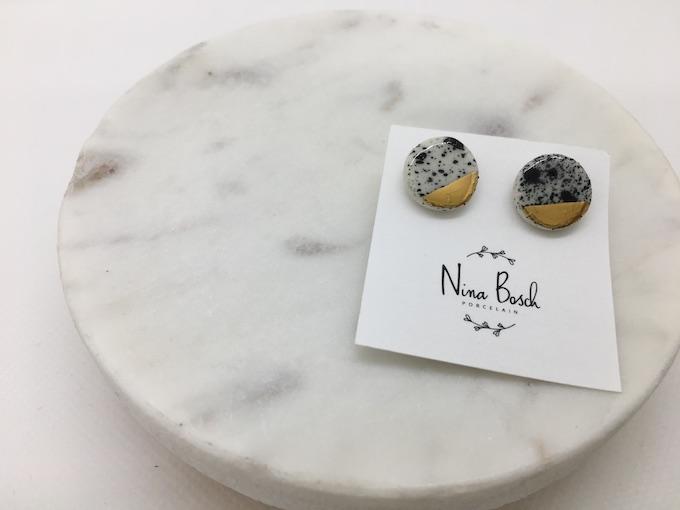 Nina Bosch ラウンドゴールドトップイヤリング(S) (N45 ングニ色)