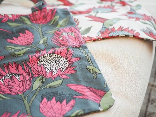alovesupremeトートバック Protea pink on gray