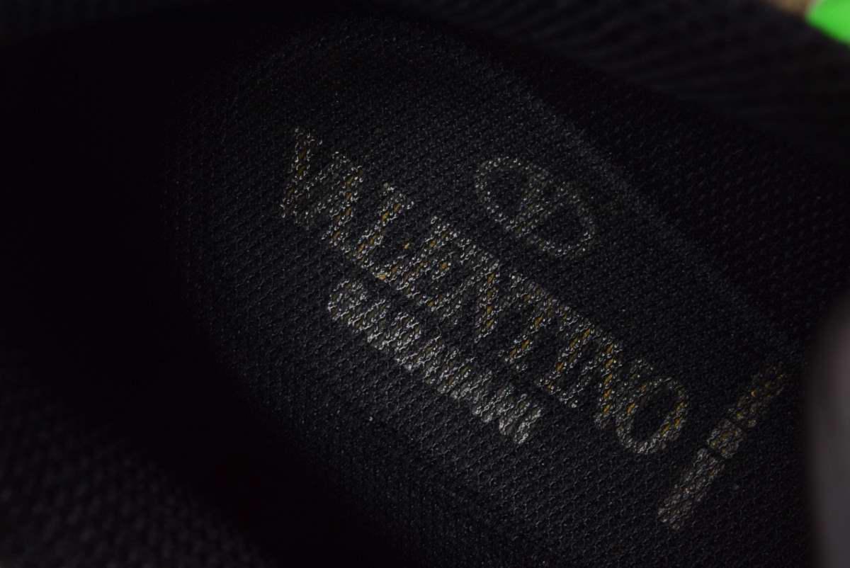 VALENTINO カモフラ ロックランナー スニーカー