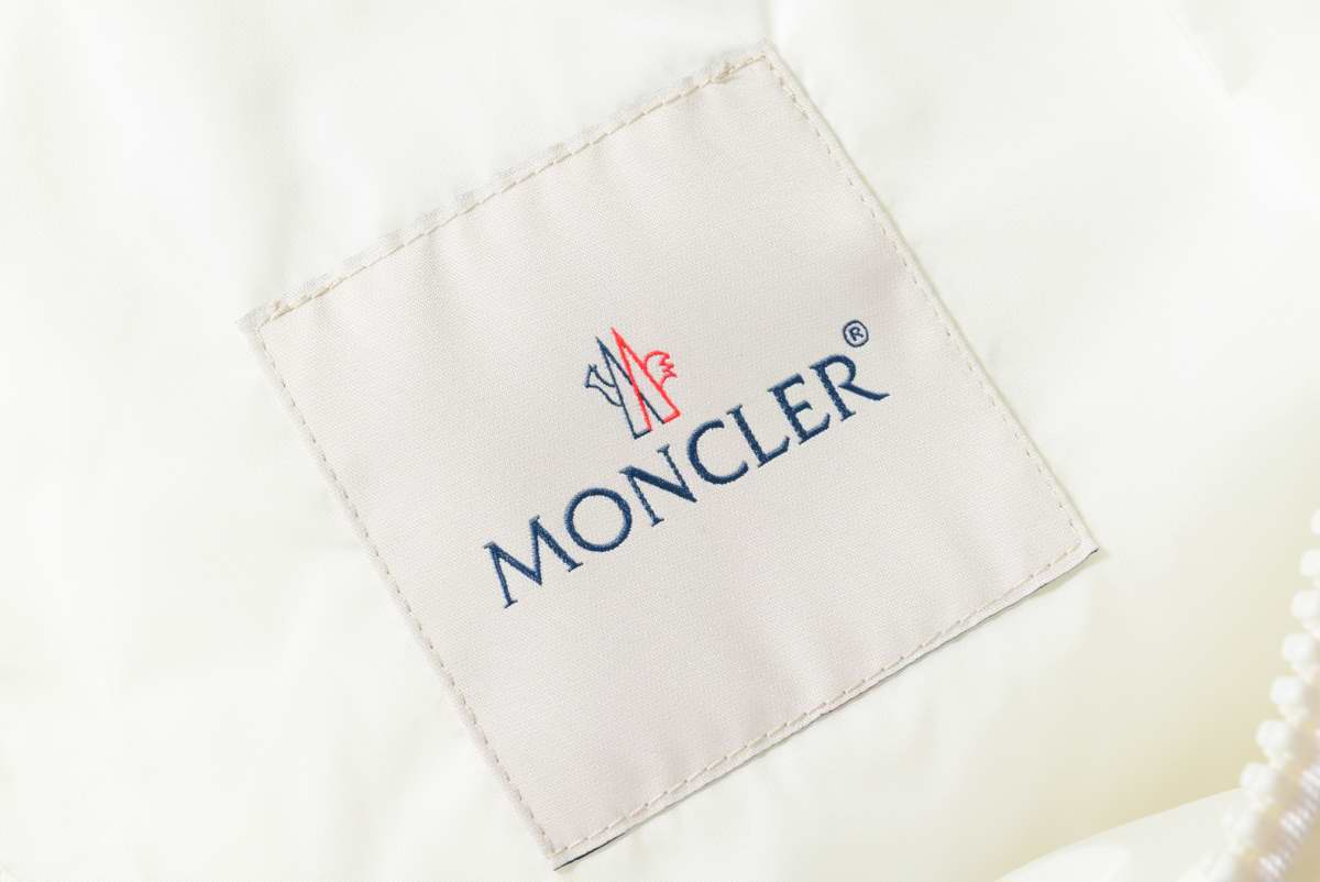 MONCLER CAPBRETON スタープリント ナイロンジャケット
