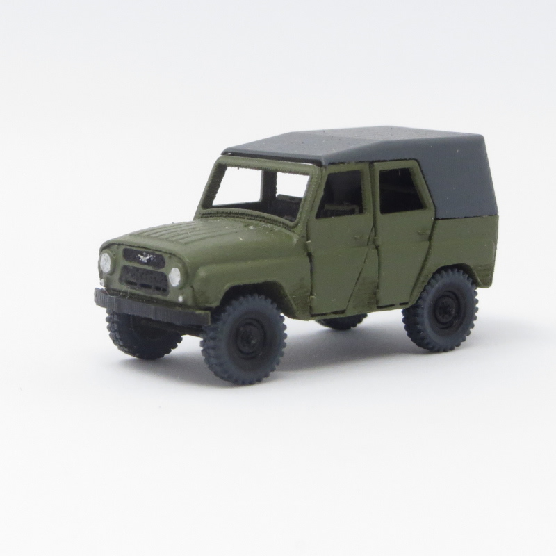 1/144 小型四輪駆動車 UAZ-469