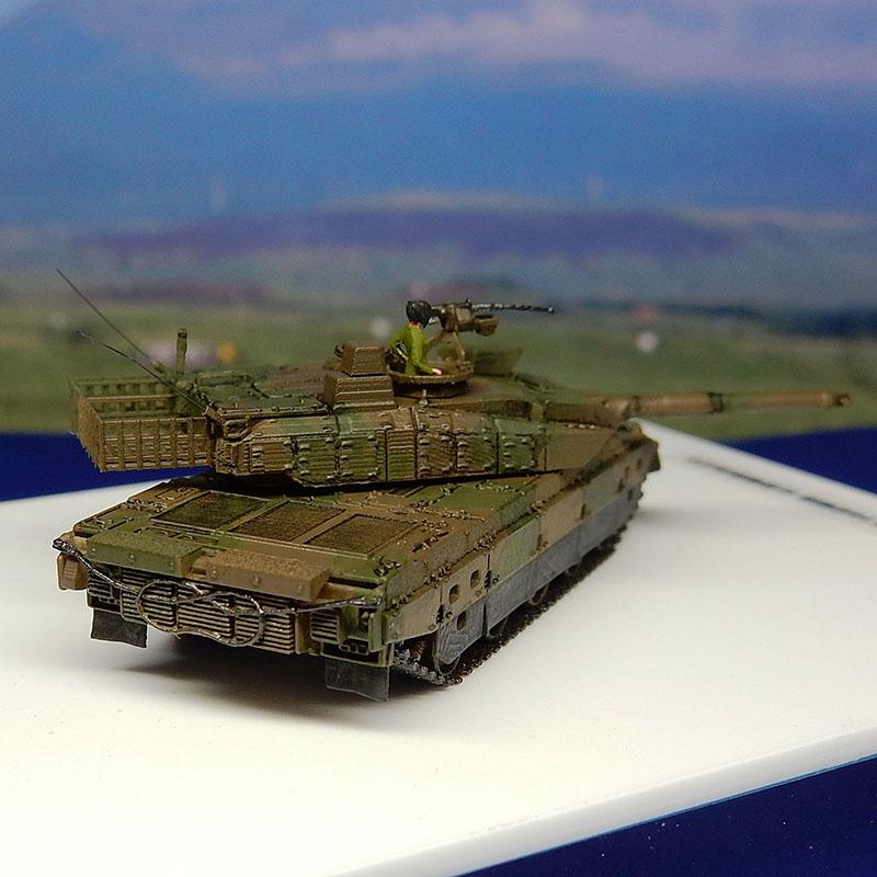 1/144 陸上自衛隊 10式戦車(女性戦車長付属)