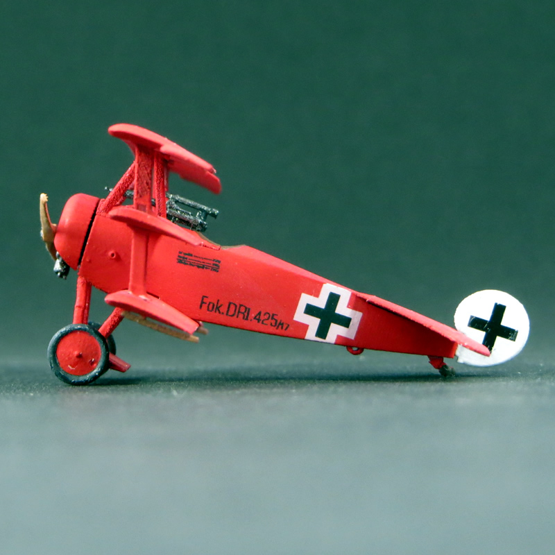 1/144 ドイツ帝国 フォッカーDr.I 三葉戦闘機