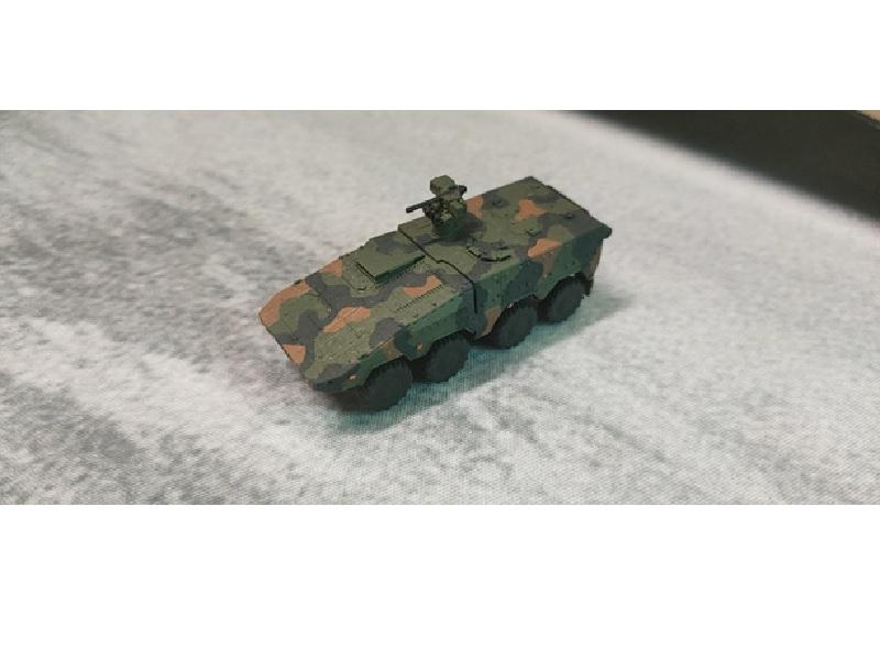 1/144 GTKボクサー 指揮通信車型
