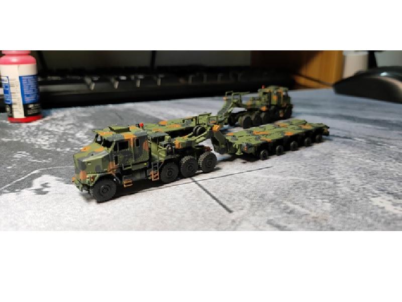 1/144 M1070戦車運搬車