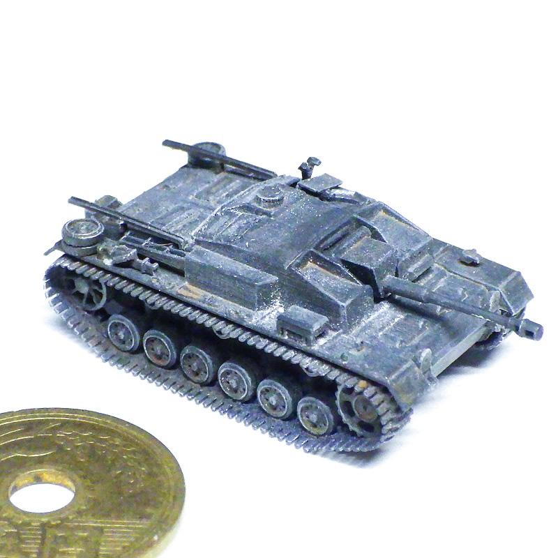 1/144 III号突撃砲F型ヴィンターケッテ装着型
