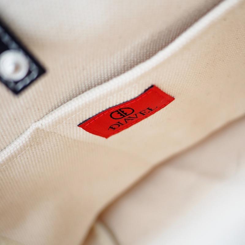 スクエアスタッズキャンバストートバッグ【Mサイズ】WHITE