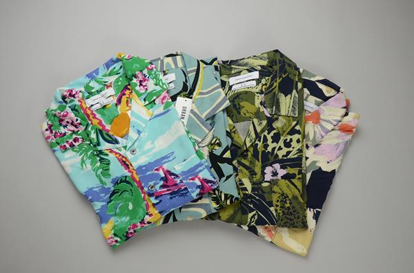 【CLEARANCE SALE】URBAN OUTFITTERS / アーバンアウトフィッターズ / ハワイアンオープンカラーシャツ / マルチハワイアン