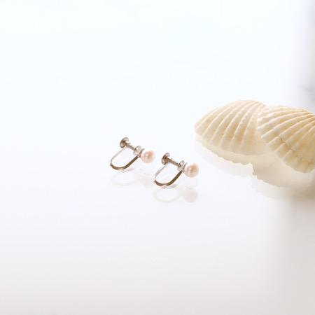 Sot.to K10WG アコヤ真珠の一粒イヤリング
