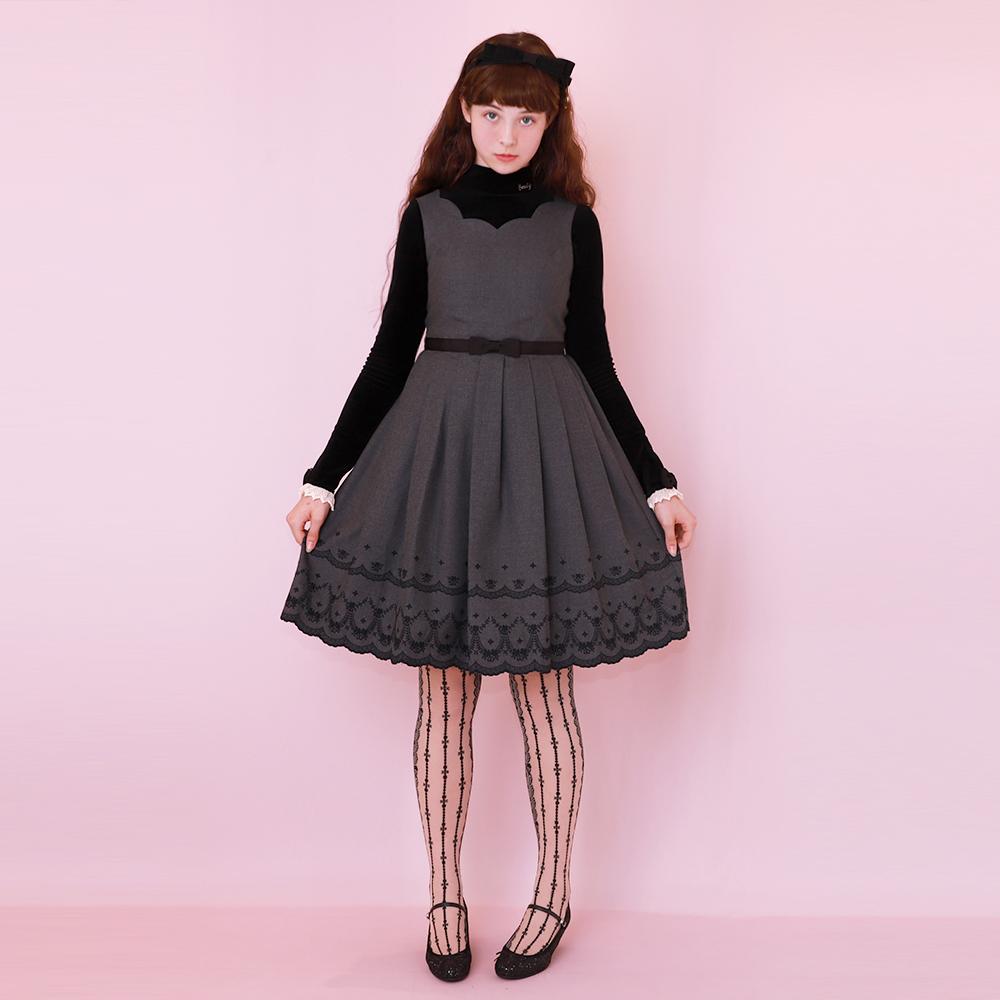 カットワーク刺繍ノースリーブワンピース(Cutwork sleeveless dress)