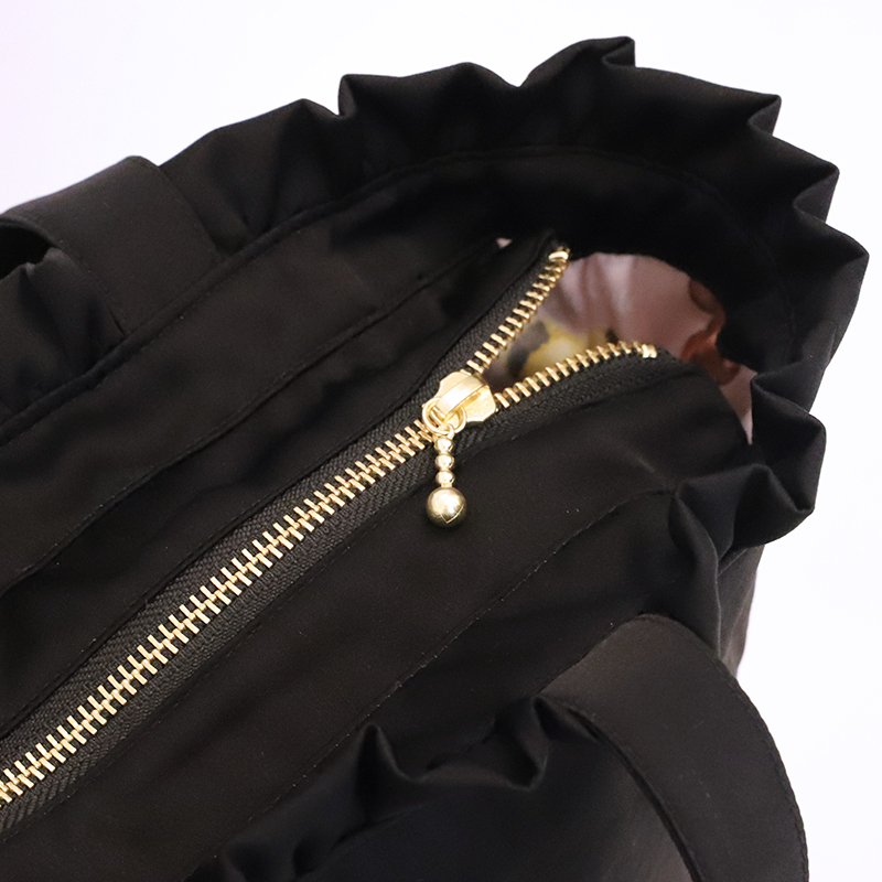 プレゼントリボントートバッグ(Present ribbon tote bag)