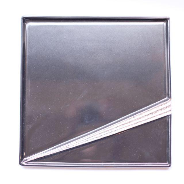 黒プラチナ 筋彫角皿