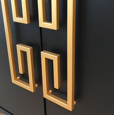 【送料無料】シノワズリ ゴールドハンドル  木製キャビネット