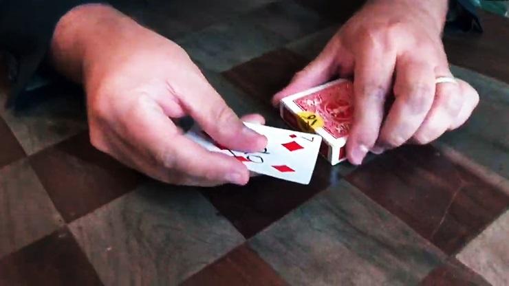 ピック・ミー(封印されたデックからカードを取り出す)