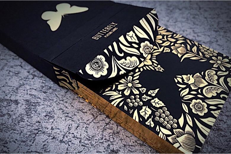バタフライ・デック(Limited Edition:黒、銀、金)