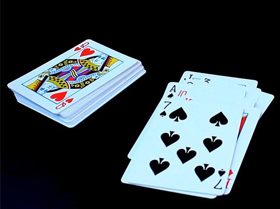 ディサイド(最もクリーンなカードの予言)